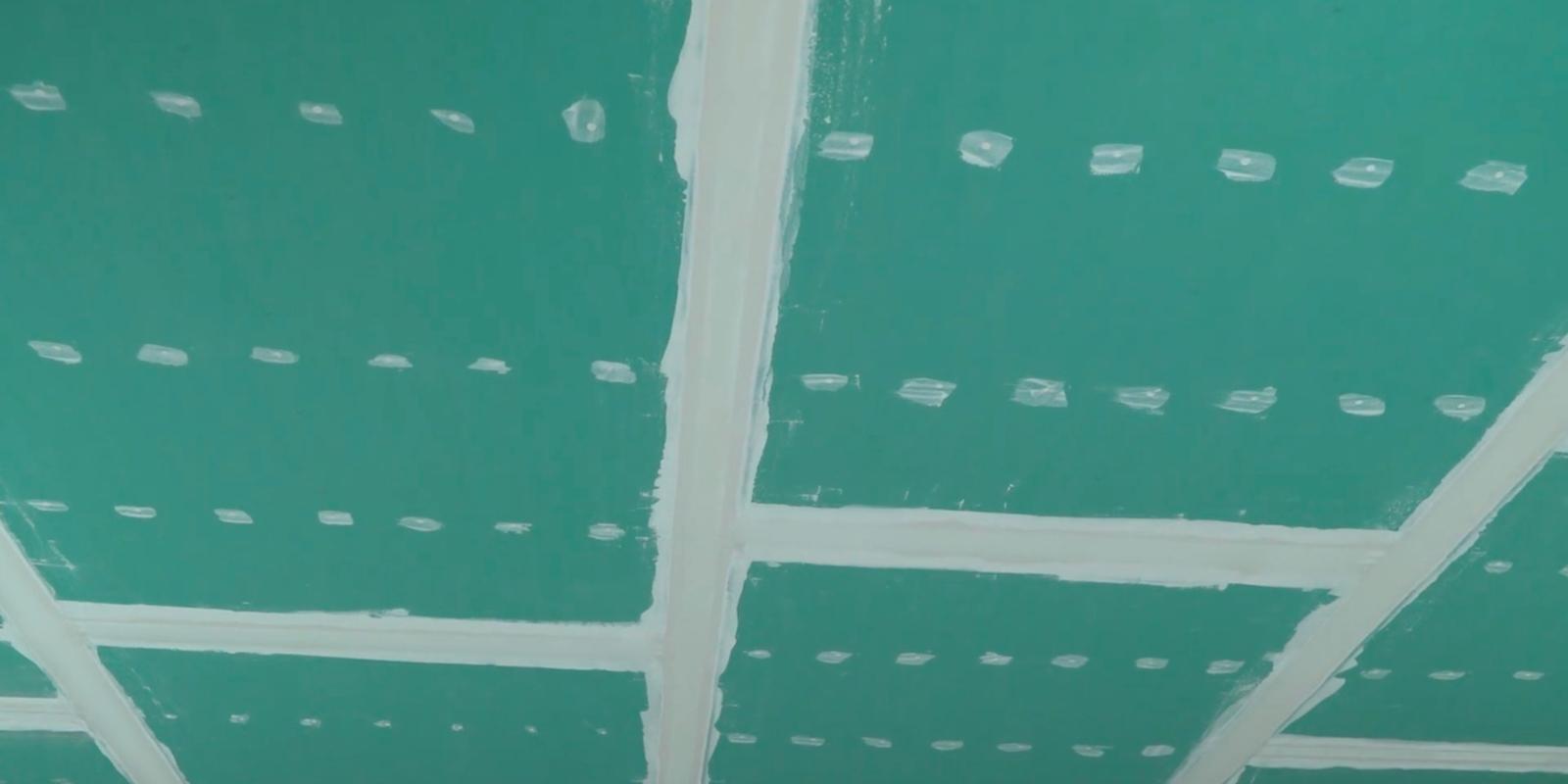 После заделки швов облицованная поверхность готова для любого вида финишной отделки