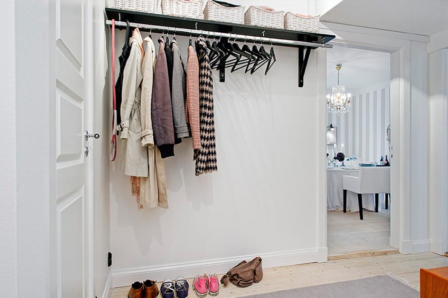 Вешалки для одежды и т.п