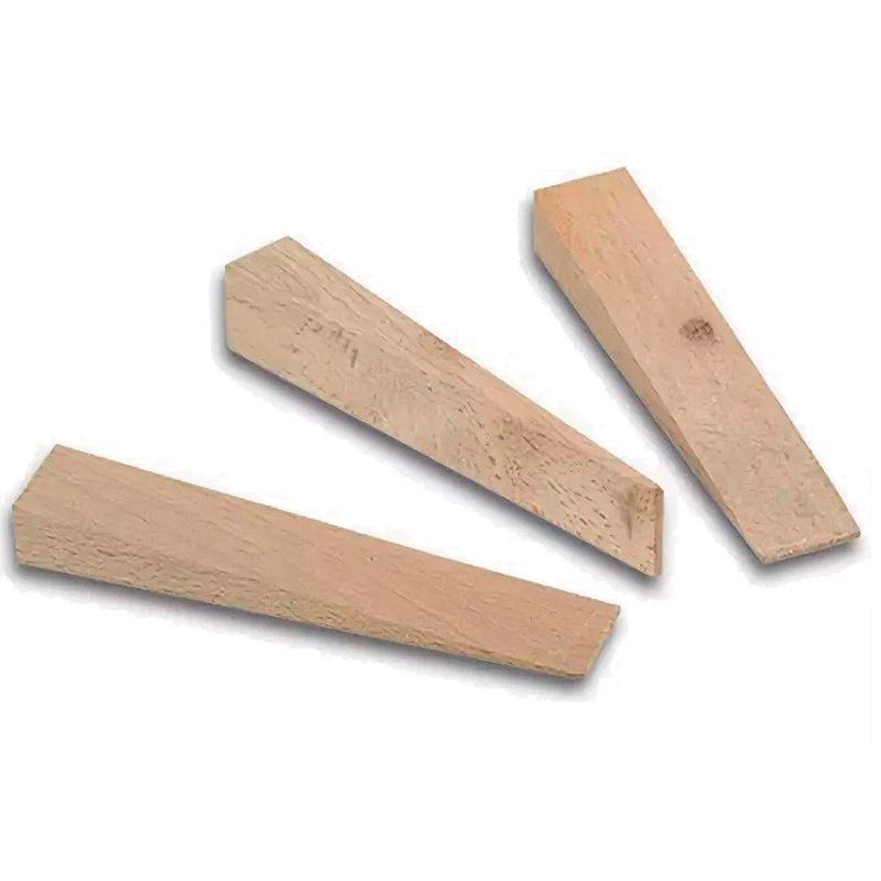 Набор клиньев (можно приобрести их в магазине, но гораздо проще напилить несколько штук из любого деревянного бруска)